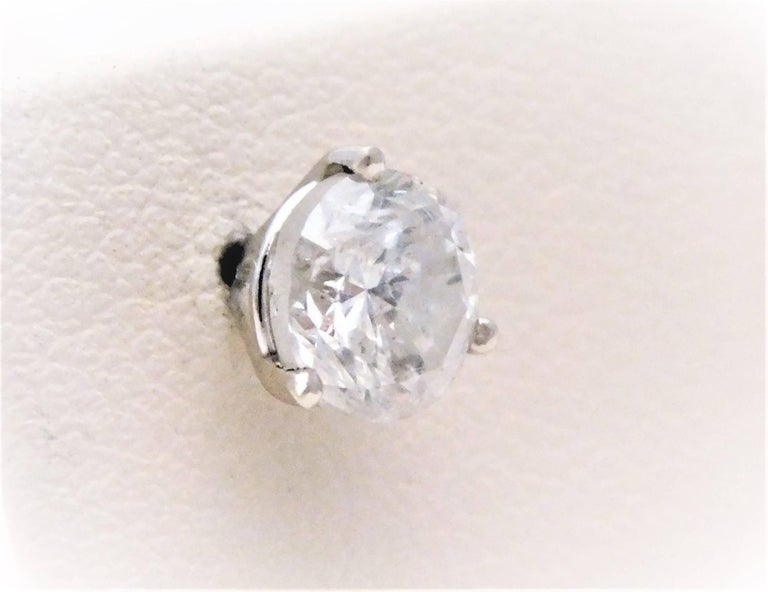 Round Cut 2 Carat Total Weight Diamond Stud Earrings For Sale