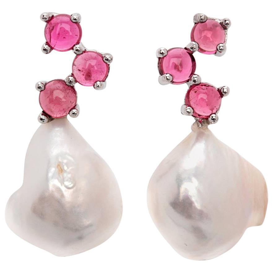 Maviada's Cavallo Baroque Pearl Pink Tourmaline 18 Karat Gold Drop Earrings
