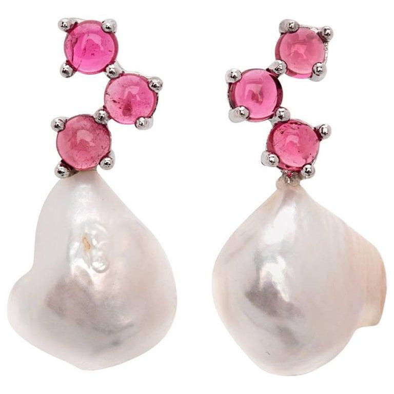 Maviada's Cavallo Baroque Pearl Pink Tourmaline 18 Karat Gold Drop Earrings For Sale