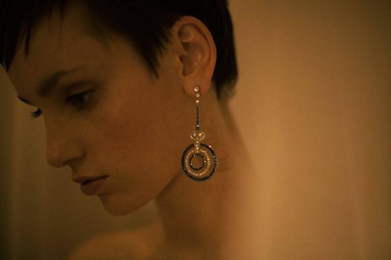 Sapphire Diamond Platinum Earrings In Excellent Condition For Sale In Berlin, DE