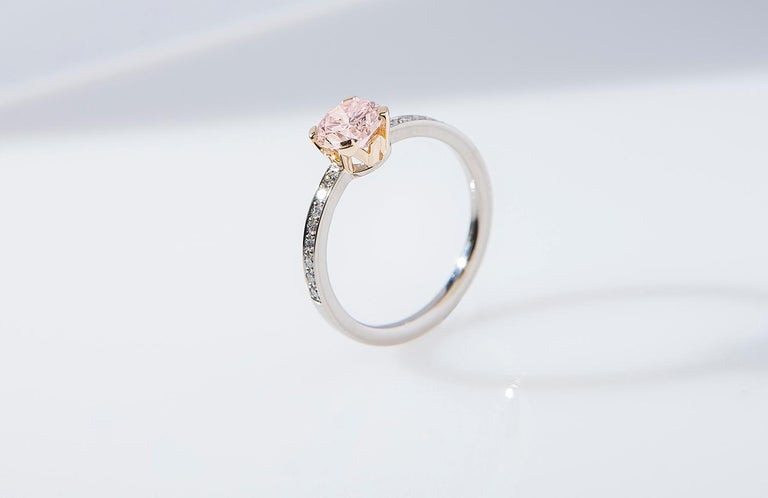 """Ring, White and Rose Gold, Natural Faint Pink Diamond """"Wagner Collection"""" In New Condition For Sale In Berlin, DE"""