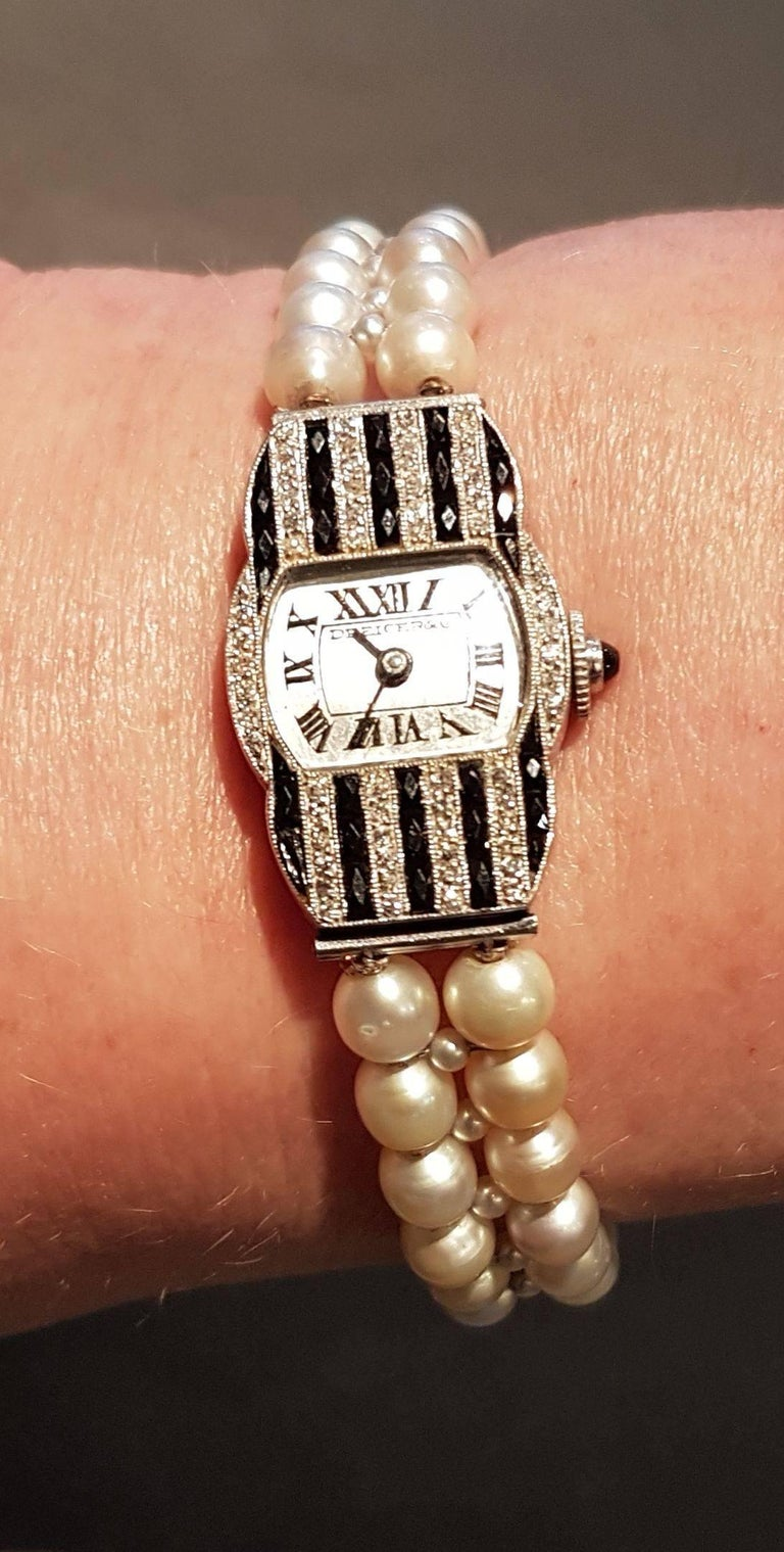 Dreicer & Co. Ladies Art Deco Diamond Pearl Onyx Wristwatch In Excellent Condition For Sale In Berlin, DE