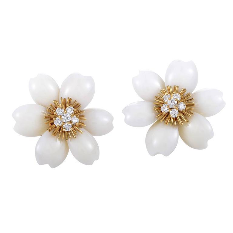 71e555498e7 Van Cleef   Arpels Coral Diamond Gold Rose de Noël Clip-on Earrings For Sale