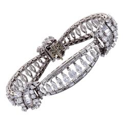 18.50 Carats Diamonds Platinum Almond Shape Link Bracelet