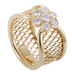 Van Cleef & Arpels Fleurette Diamond Flower Yellow Gold Basket Weave Ring