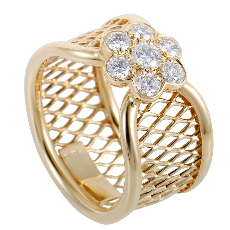 Van Cleef & Arpels Fleurette Diamond Flower Yellow Gold Basket Weave Ring