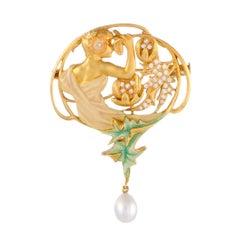 Masriera Diamond and Pearl Yellow Gold Brooch/Pendant