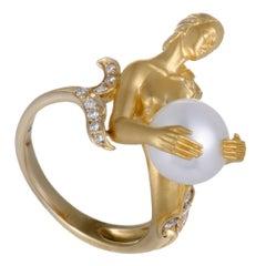 Carrera y Carrera Diamond and White Pearl Yellow Gold Mermaid Ring