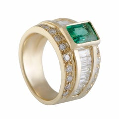Diamond and Emerald Gold Ring