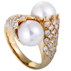 Diamond and White Pearl Gold Ring