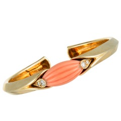 Van Cleef & Arpels Vintage Diamond and Coral Yellow Gold Bangle Bracelet