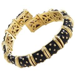 Hidalgo Black Enamel Gold Flexible Bracelet