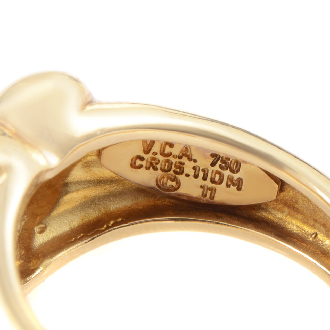 Women's Van Cleef & Arpels Diamond Gold Heart Band Ring For Sale