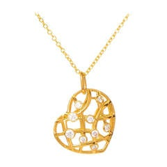 Hearts on Fire Diamond Yellow Gold Brocade Heart Pendant Necklace