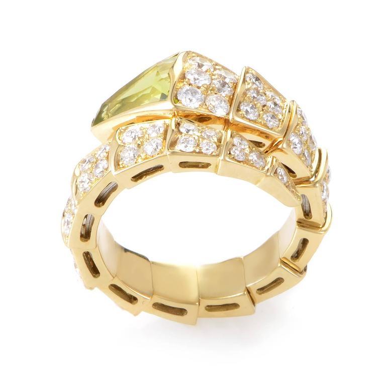 ded6c7f302865 Bulgari Serpenti Peridot Diamond Gold Ring In New Condition For Sale In  Southhampton, PA