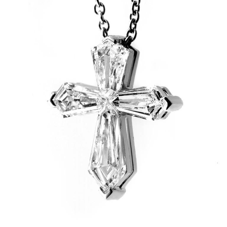 Graff Diamonds White Gold Bullet-Cut Diamond Cross Pendant Necklace In  Excellent Condition For Sale ec69fe6496b7