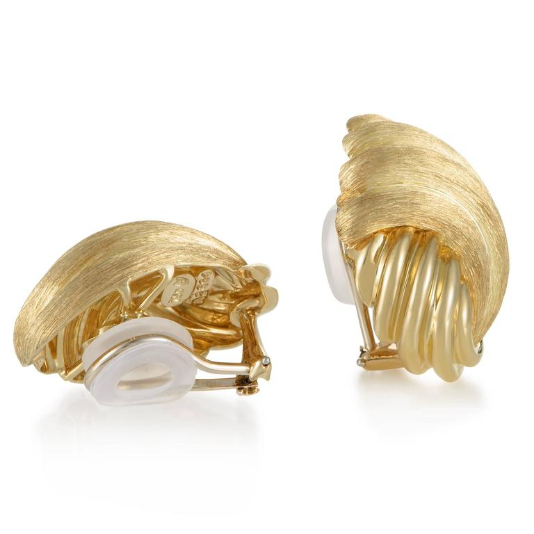 Henry Dunay Gold Clip-On Earrings In Excellent Condition For Sale In Southhampton, PA