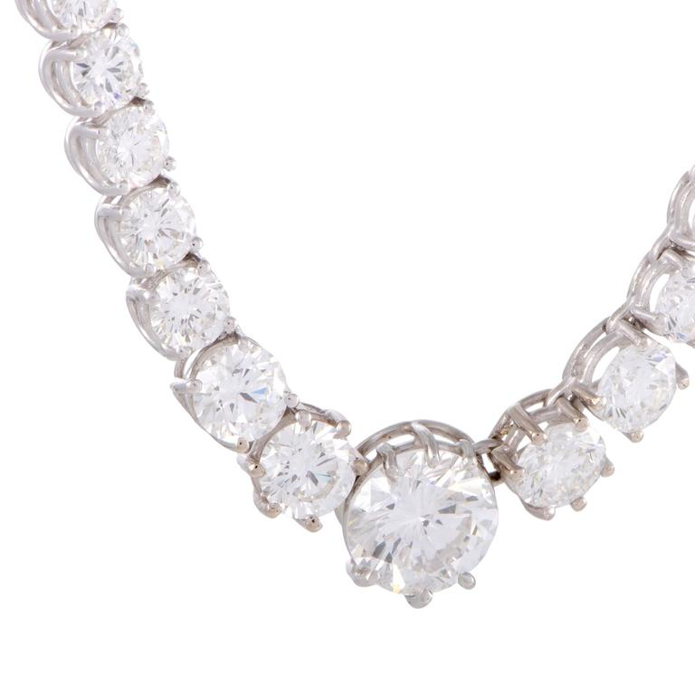 Diamond and White Gold Collar Necklace In Excellent Condition For Sale In Southhampton, PA