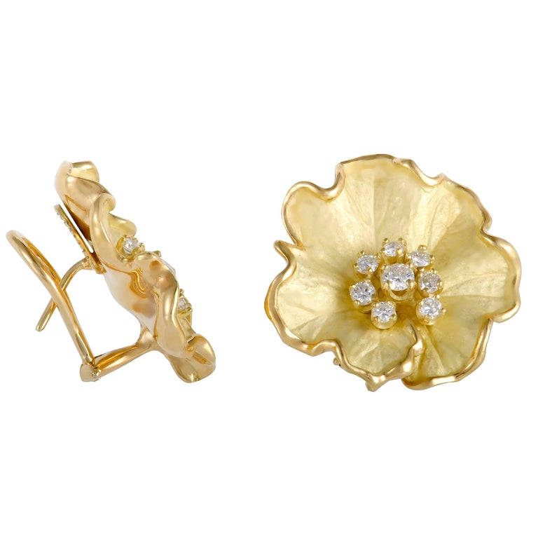 Diamond and Enamel Yellow Gold Flower Earrings In Excellent Condition For Sale In Southhampton, PA
