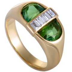 Tiffany & Co. Peridot and Diamond Oval Gold Ring