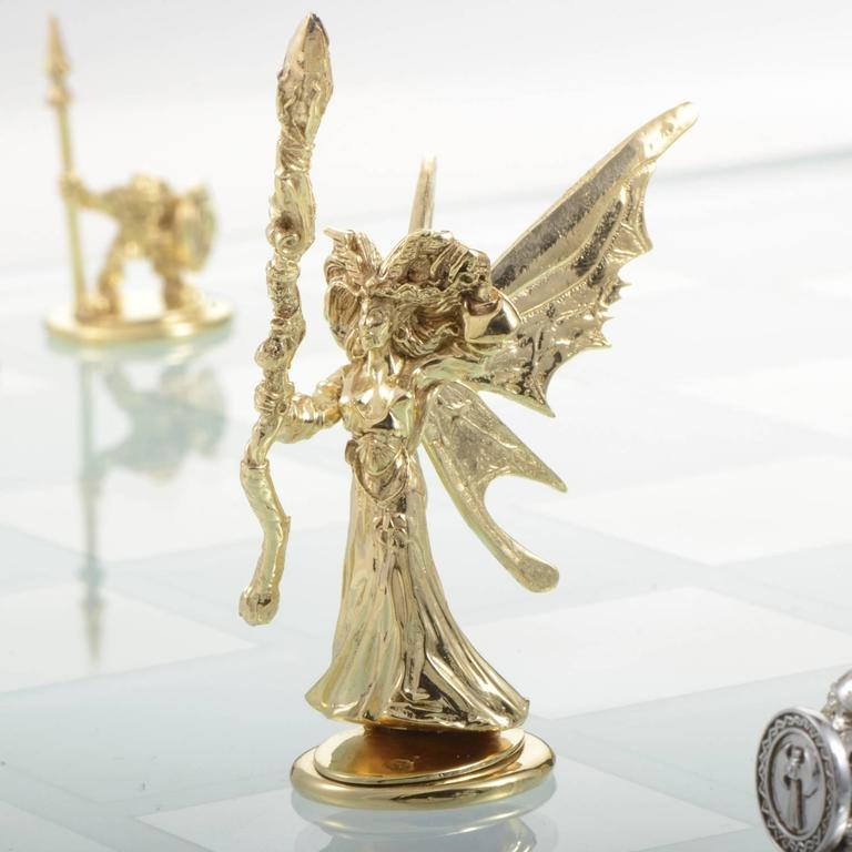 White and Yellow Gold Tempered Glass Chess Set For Sale 6