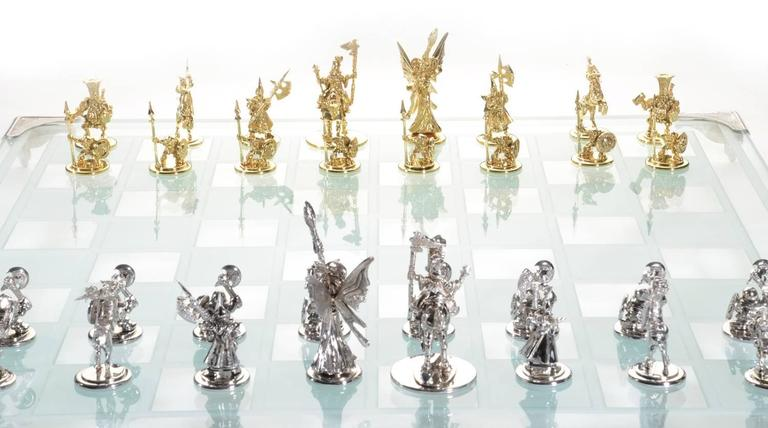Women's White and Yellow Gold Tempered Glass Chess Set For Sale