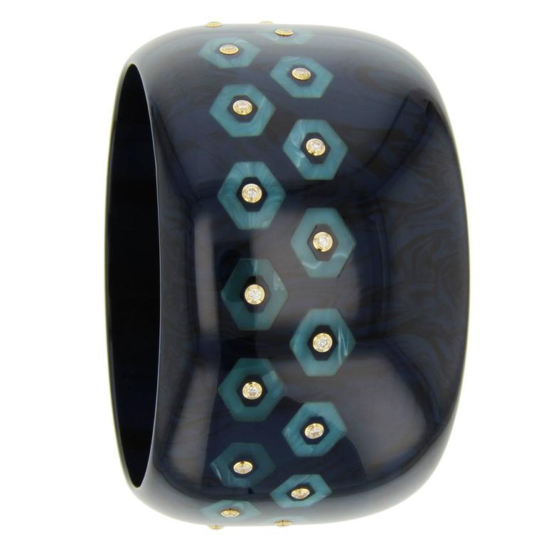 Blue Bakelite, diamond and yellow gold bangle