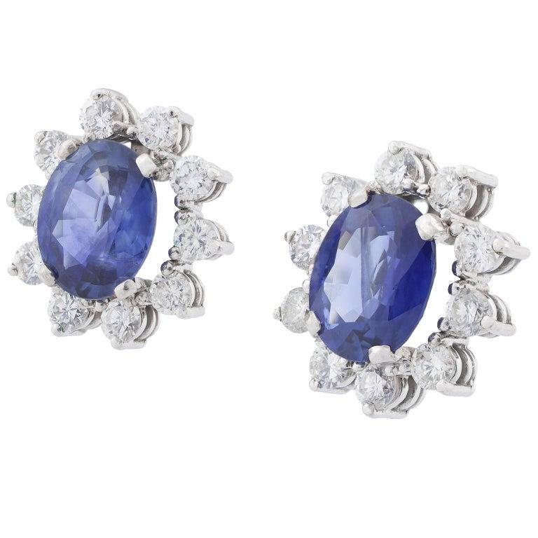 18 Karat White Gold Sapphire Diamonds Cluster Earrings