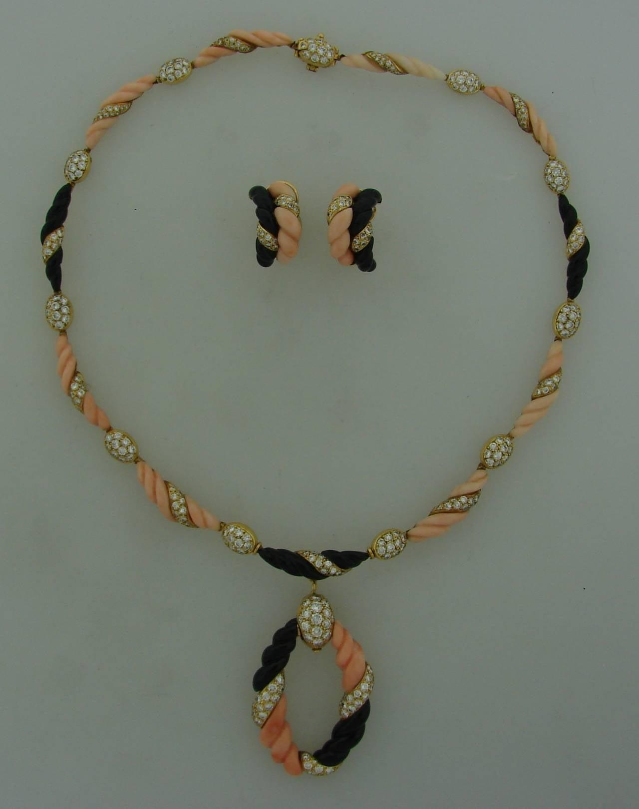 Boucheron Paris Coral Onyx Diamond Gold Necklace Earrings Set 1970s 2