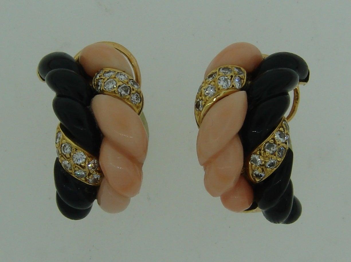 Boucheron Paris Coral Onyx Diamond Gold Necklace Earrings Set 1970s 3