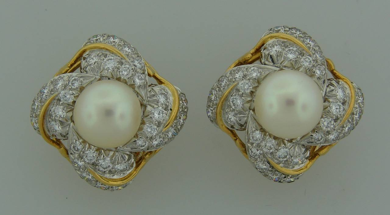 1970s Tiffany & Co. Schlumberger Pearl Diamond Gold Earrings In Excellent Condition For Sale In Beverly Hills, CA