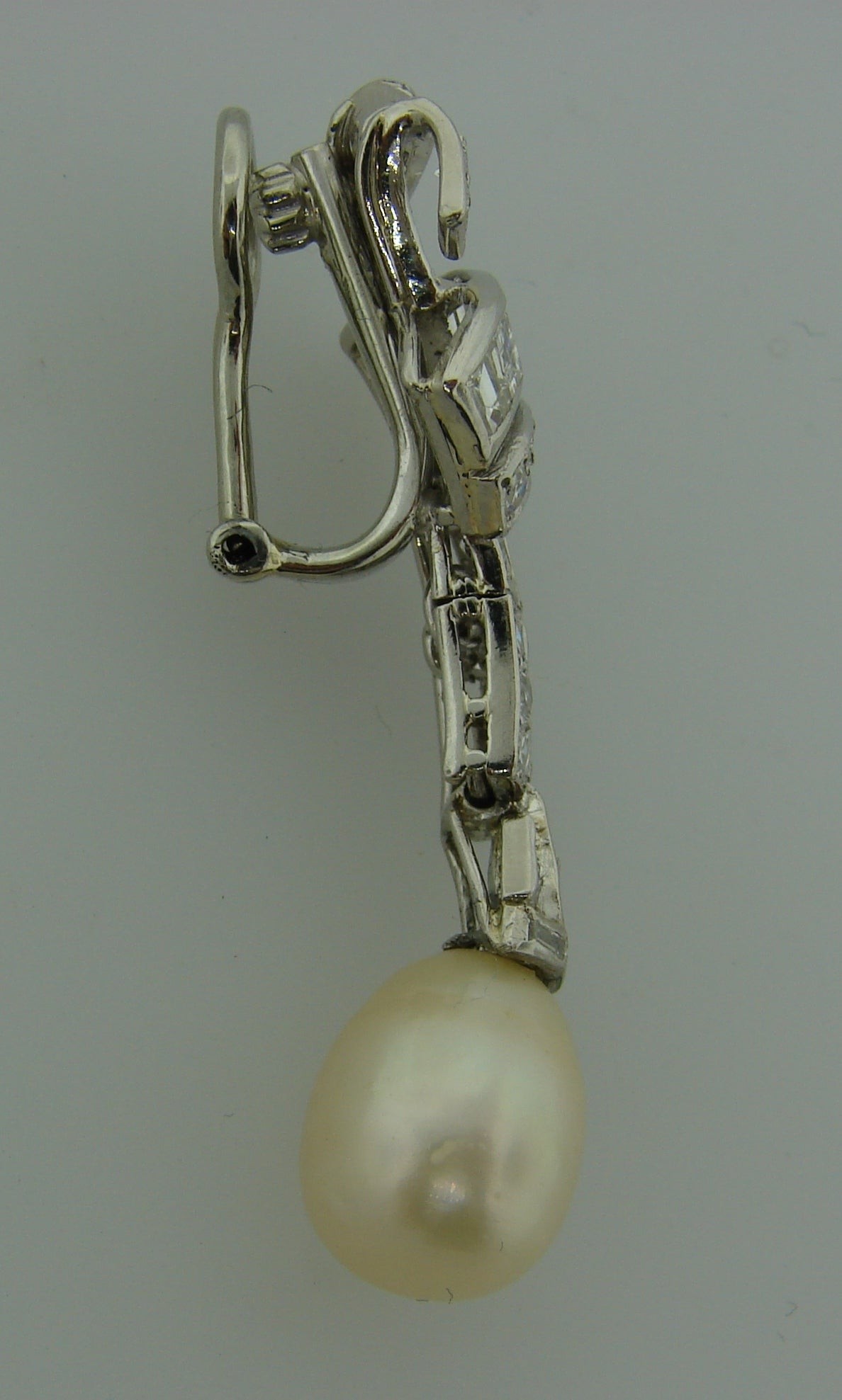 9ee362c730c30 Natural Saltwater Pearl Diamond Platinum Clip-on Earrings