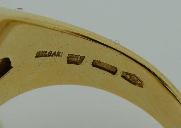 1970s Bulgari Cabochon Sapphire Diamond Gold Ring For Sale 3