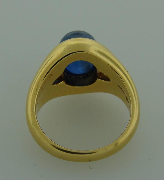 1970s Bulgari Cabochon Sapphire Diamond Gold Ring For Sale 2