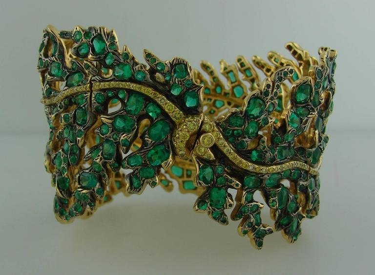 Michele della Valle Emerald Fancy Yellow Diamond Gold Bracelet In Excellent Condition For Sale In Beverly Hills, CA