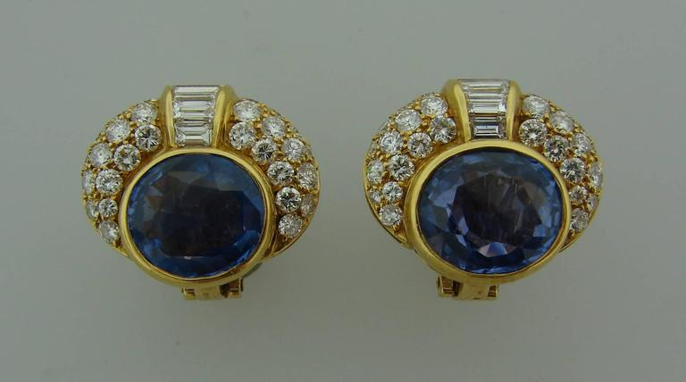1980s Bulgari Pearl Sapphire Diamond Gold Necklace and Earrings Set For Sale 3