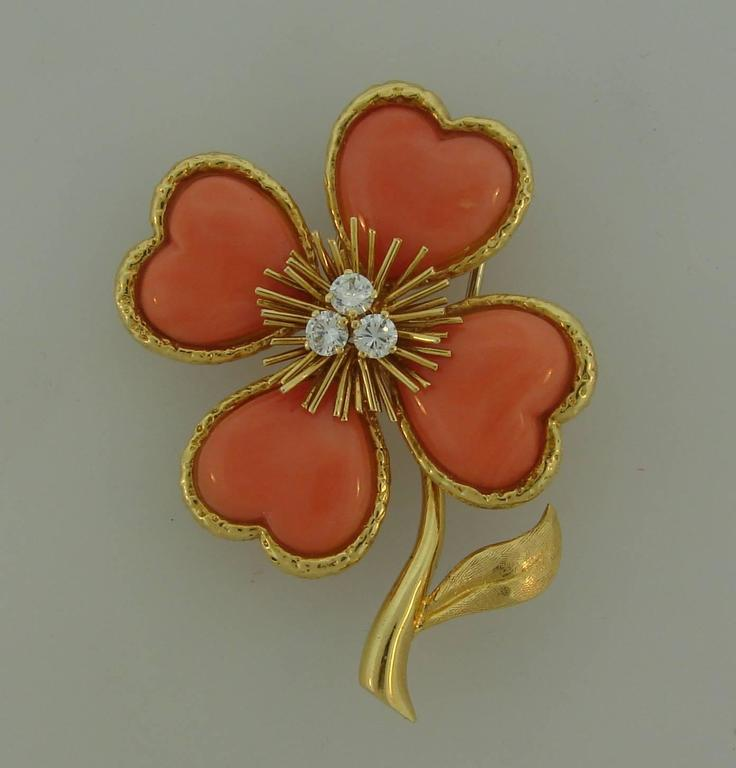 Signature Clover clip created by Van Cleef & Arpels in France in 1950's that would be a great addition to your jewelry collection. 
