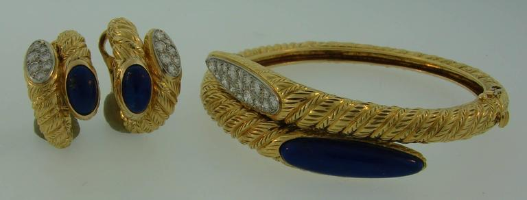 1970s Van Cleef & Arpels Lapis Lazuli Diamond Gold Earrings and Bracelet Set 3