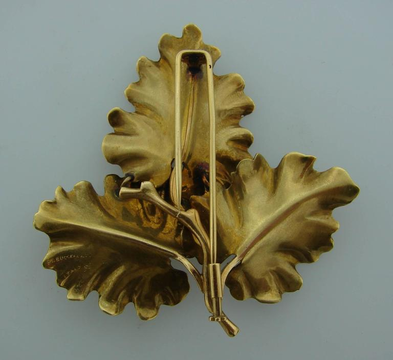 1950s Mario Buccellati Gold Oak Leaves Clip Pin Brooch In Excellent Condition For Sale In Beverly Hills, CA