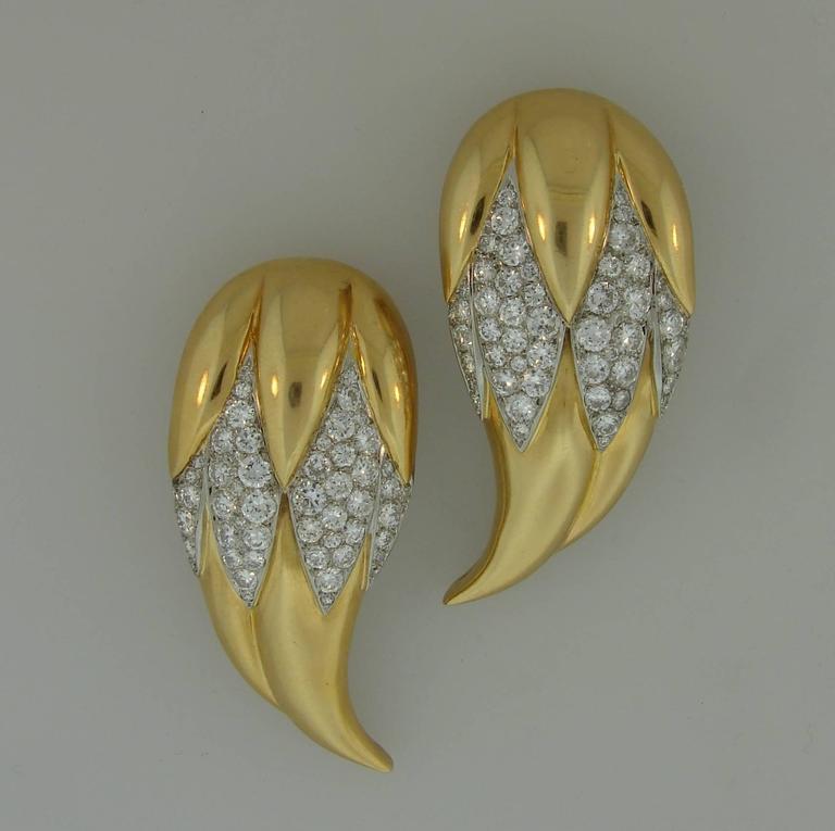 Retro Suzanne Belperron Dents de Loup Diamond Gold Platinum Clip Brooches For Sale