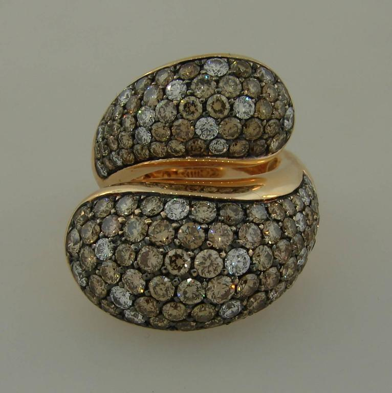 De Grisogono Diamond Rose Gold Stylized Snake Ring In Excellent Condition For Sale In Beverly Hills, CA