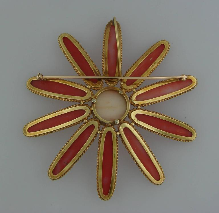 1970s Cellino Mediterranean Coral Gold Chrysanthemum Brooch Pin Clip Pendant For Sale 1