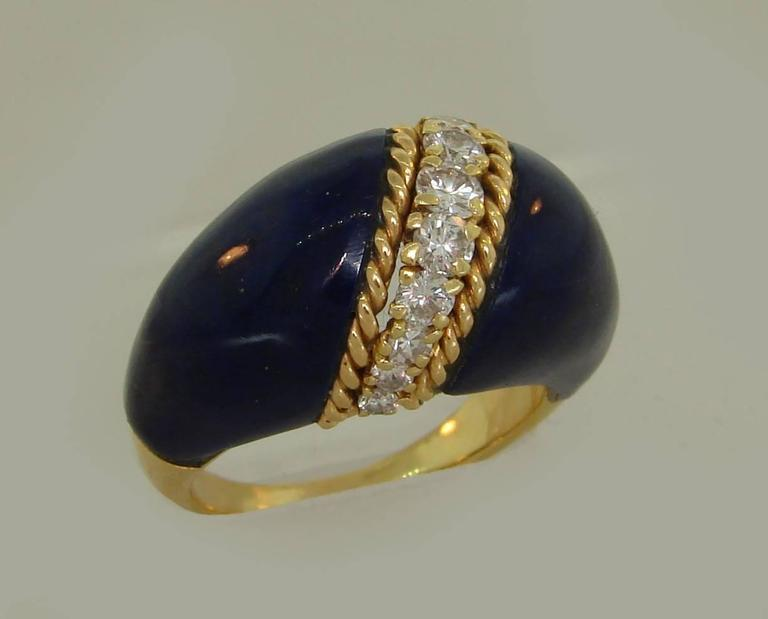 1970s Van Cleef & Arpels VCA Lapis Lazuli Diamond Yellow Gold Ring In Excellent Condition For Sale In Beverly Hills, CA