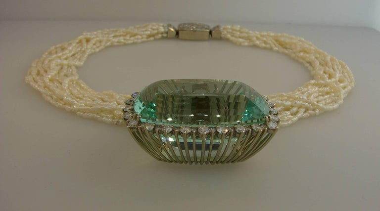 160.70 Carat Brazilian Aquamarine Pendant on Pearl Diamond White Gold Necklace For Sale 1