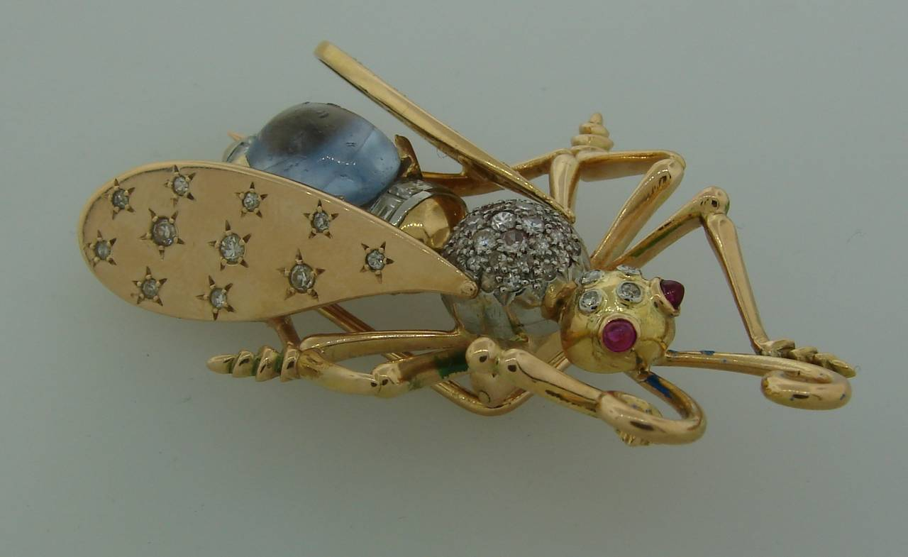 Women's 1940s French Moonstone Diamond Yellow Gold Stylized Fly Pin Brooch For Sale