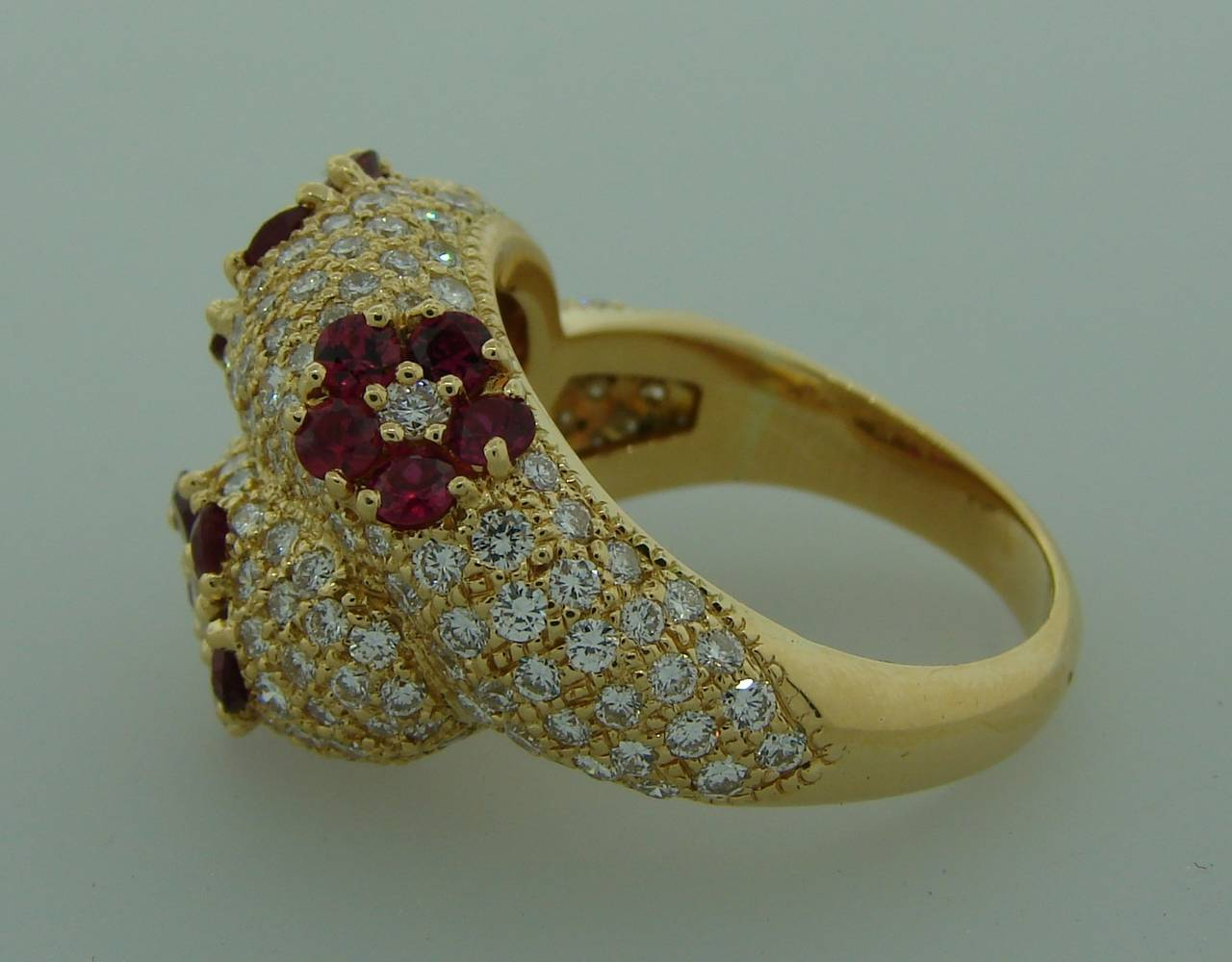 1980s Graff Ruby Diamond Yellow Gold Cocktail Ring For Sale 4