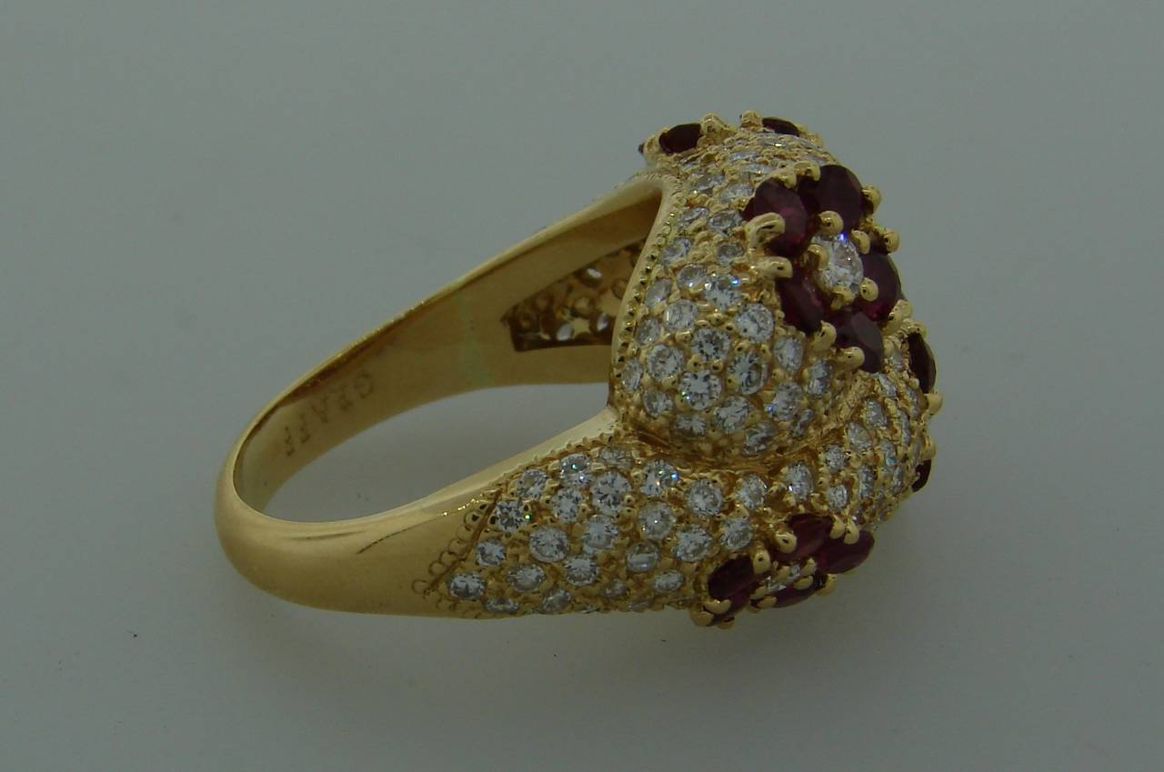 1980s Graff Ruby Diamond Yellow Gold Cocktail Ring For Sale 3