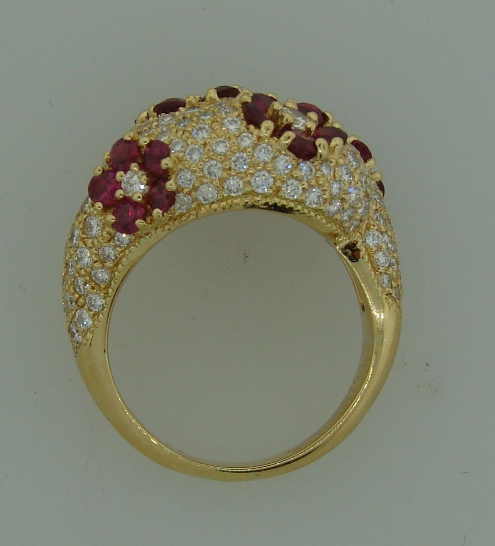 1980s Graff Ruby Diamond Yellow Gold Cocktail Ring For Sale 2