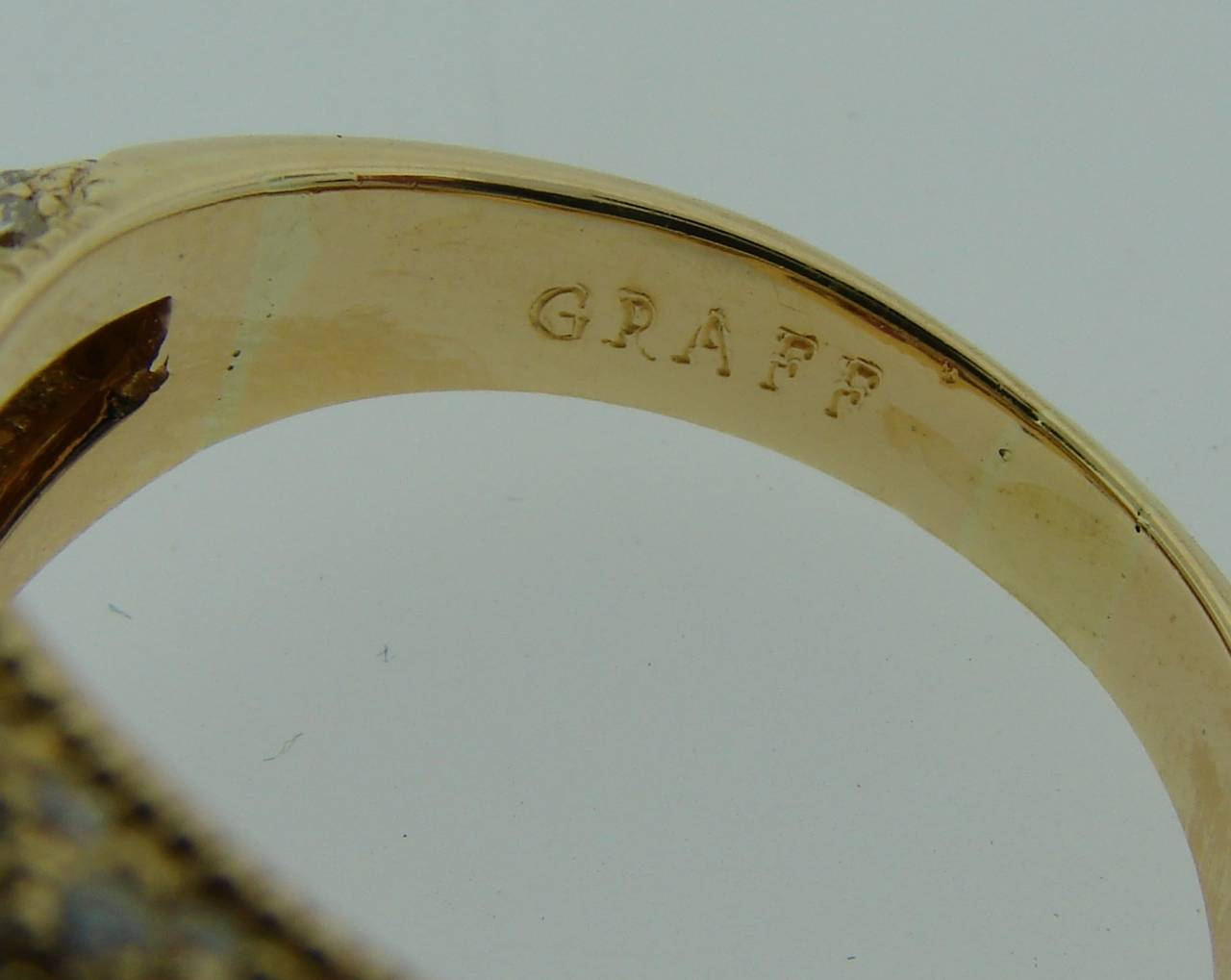 1980s Graff Ruby Diamond Yellow Gold Cocktail Ring For Sale 6