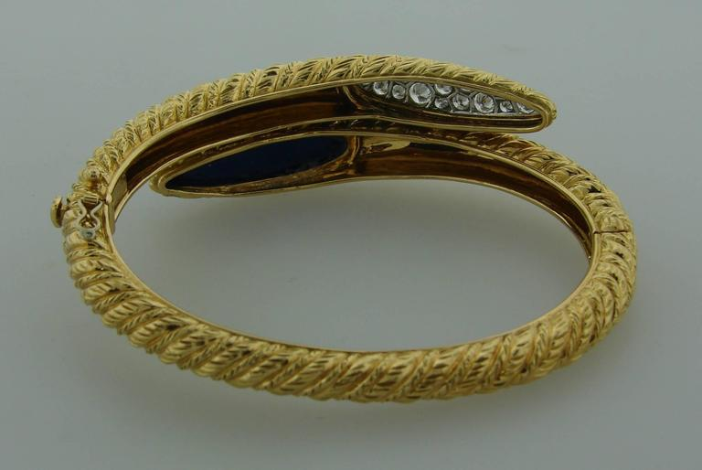 1970s Van Cleef & Arpels Lapis Lazuli Diamond Gold Earrings and Bracelet Set For Sale 1